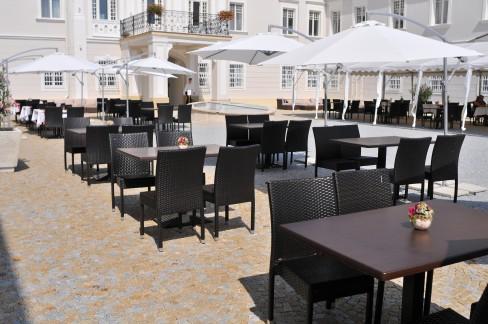 Art hotel kaštieľ, Tomášov